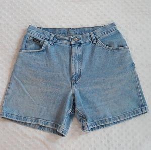 Vintage Wrangler high waist mom jean shorts 30